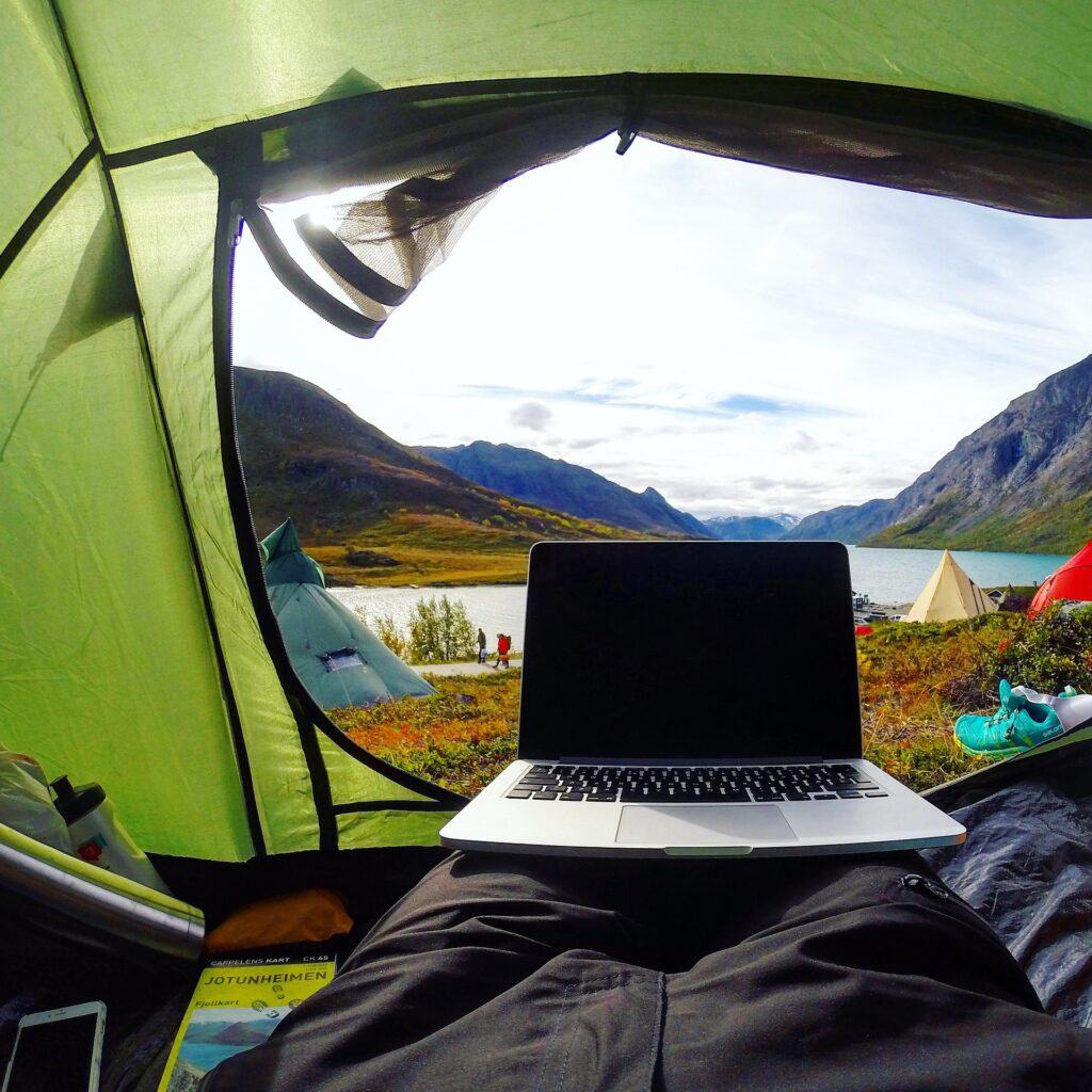 Digital Nomad-Camping